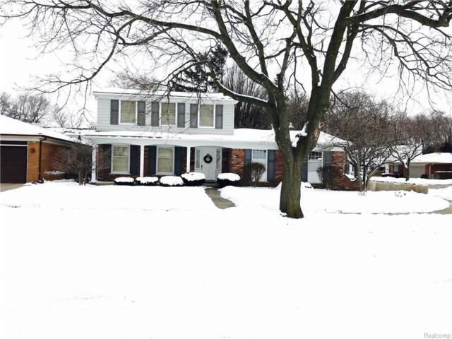 23425 S Colonial Court, Saint Clair Shores, MI 48080 (#218010747) :: The Buckley Jolley Real Estate Team