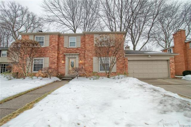 681 Pear Tree Lane, Grosse Pointe Woods, MI 48236 (#218011746) :: RE/MAX Classic