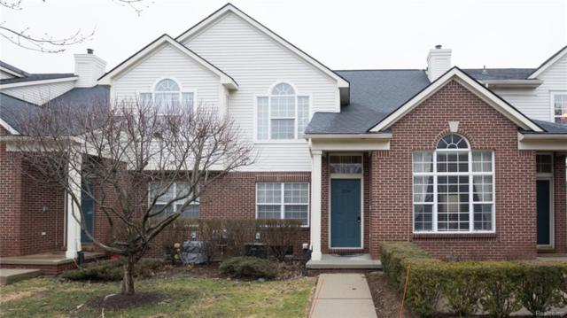2204 Cameron Circle, Commerce Twp, MI 48390 (#218014865) :: RE/MAX Classic