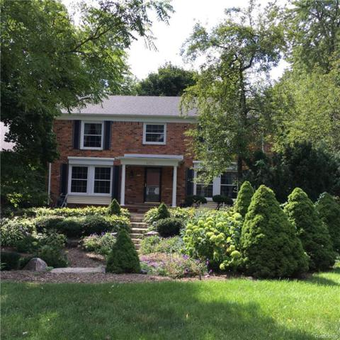 4250 Saddle Lane, West Bloomfield Twp, MI 48322 (#218016259) :: The Buckley Jolley Real Estate Team