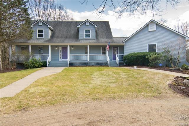 2211 W Wardlow Road, Highland Twp, MI 48357 (#218016537) :: Duneske Real Estate Advisors