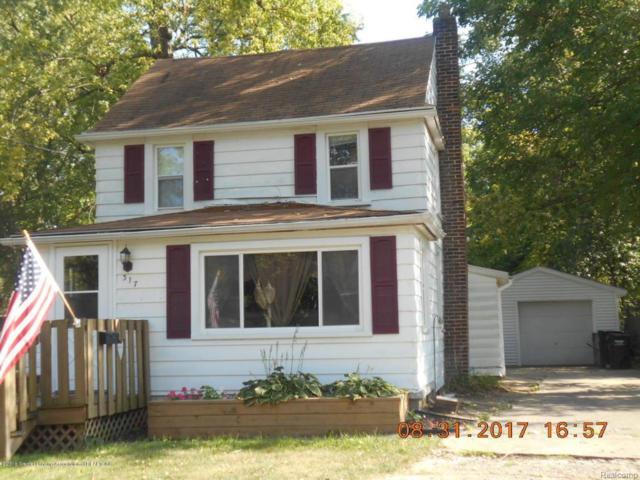 317 W Hodge Avenue, Lansing, MI 48910 (#630000223842) :: Duneske Real Estate Advisors