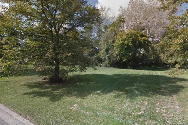 100 Golfview Drive, Saginaw Twp, MI 48638 (MLS #61031341529) :: The Toth Team