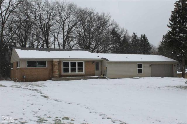 2425 Emerson, Bloomfield Twp, MI 48302 (#58031341573) :: RE/MAX Vision