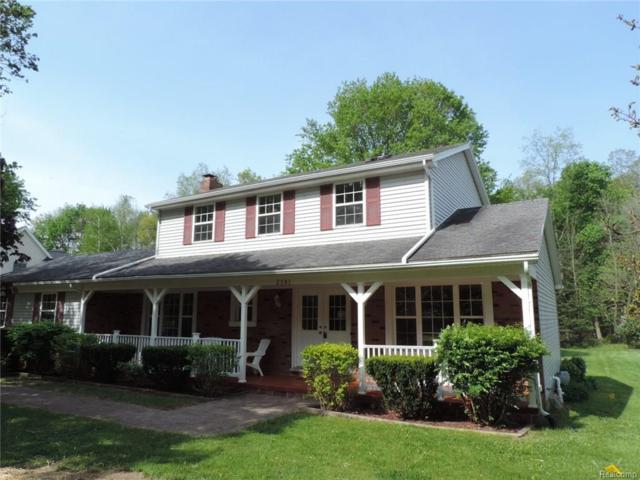 2581 Parkway Pl, Hartland Twp, MI 48353 (#218021276) :: The Buckley Jolley Real Estate Team