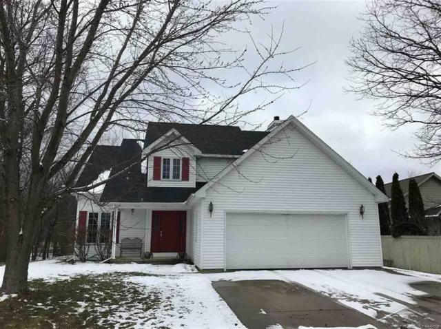 1214 E Oakdale Circle, Tittabawassee Twp, MI 48623 (MLS #61031342318) :: The Toth Team