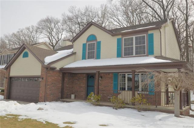727 Hill Crest Drive, Milford Vlg, MI 48381 (#218023286) :: The Buckley Jolley Real Estate Team