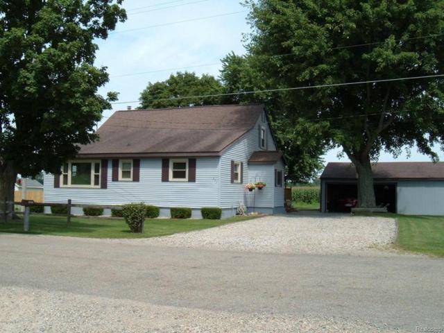 355 Fox Rd, Quincy Twp, MI 49036 (#62018011235) :: Simon Thomas Homes