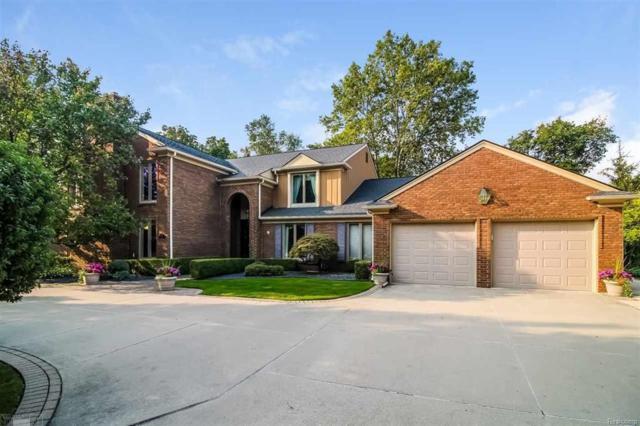 51 Fordcroft, Grosse Pointe Shores Vlg, MI 48236 (#58031343055) :: Duneske Real Estate Advisors