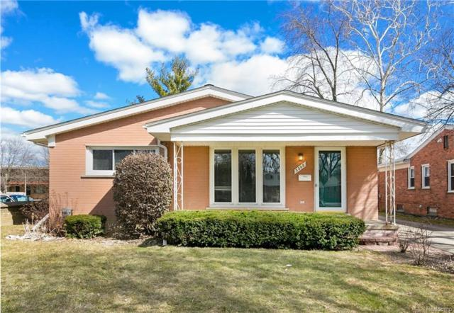 3208 Clawson Avenue, Royal Oak, MI 48073 (#218024565) :: Duneske Real Estate Advisors