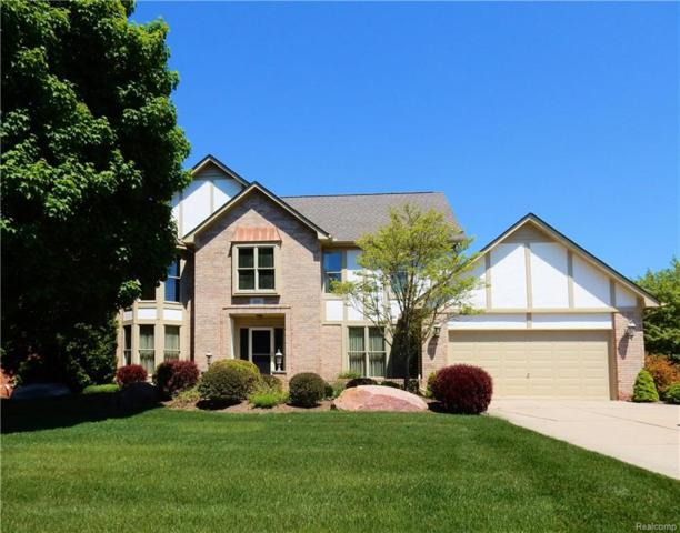 1361 Burhaven, Rochester Hills, MI 48306 (MLS #218024883) :: The Toth Team