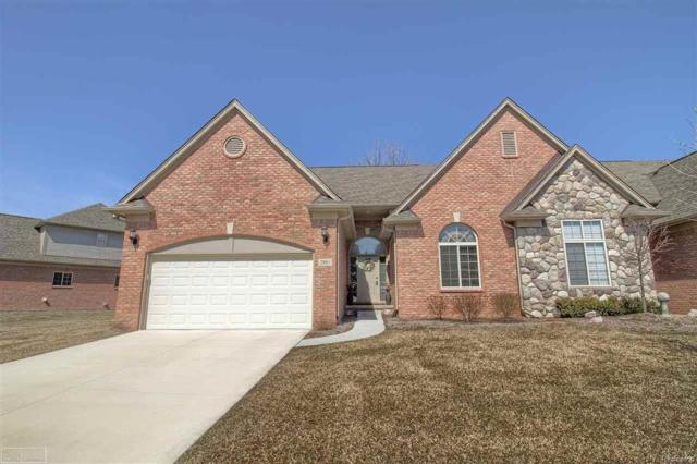 2881 Kentwood Dr, Shelby Twp, MI 48316 (MLS #58031343277) :: The Toth Team