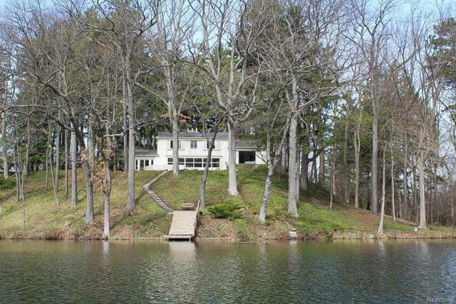 3511 Lakecrest, Bloomfield Twp, MI 48304 (#218026554) :: RE/MAX Classic