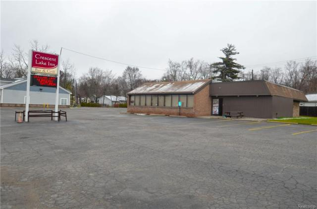 4904 Elizabeth Lake, Waterford Twp, MI 48327 (MLS #218031317) :: The Toth Team
