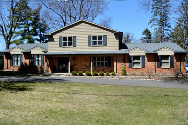 2000 W Bend Court, West Bloomfield Twp, MI 48302 (MLS #218031422) :: The Toth Team