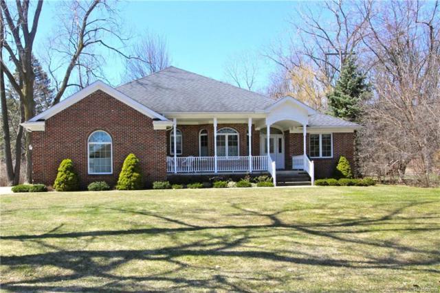 2554 Pine Ridge, West Bloomfield Twp, MI 48324 (#218034200) :: RE/MAX Vision