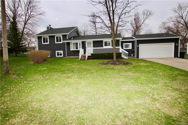 3217 Beaumont Drive, Highland Twp, MI 48356 (#218034406) :: RE/MAX Vision