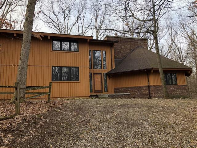 1543 White Lake Rd Road, Highland Twp, MI 48356 (#218034515) :: RE/MAX Vision