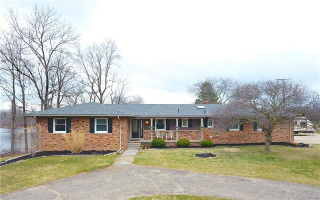2822 Lone Tree Road, Highland Twp, MI 48380 (#218034603) :: RE/MAX Vision