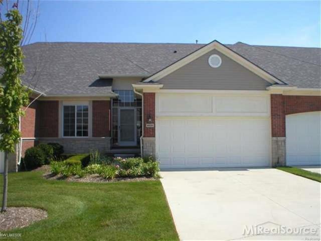 14933 North Park, Shelby Twp, MI 48315 (#58031346216) :: Duneske Real Estate Advisors