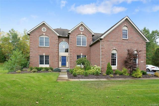 1541 S Fairfax Court S, Milford Twp, MI 48380 (#218038080) :: RE/MAX Classic