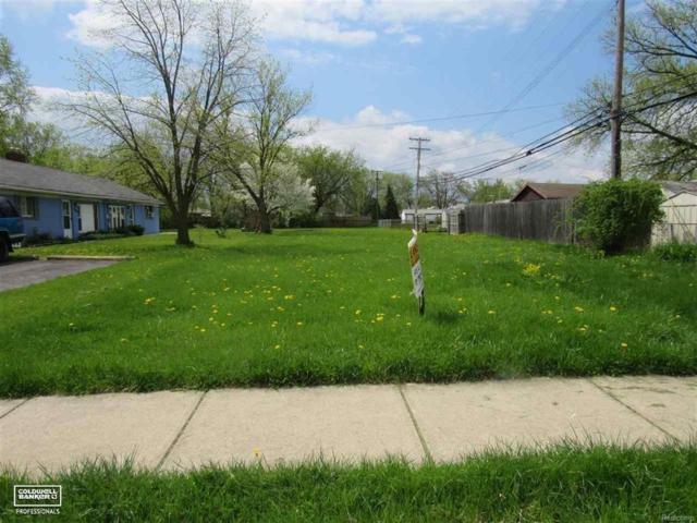 16552 Petrie, Roseville, MI 48066 (#58031347146) :: Duneske Real Estate Advisors