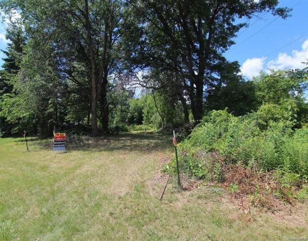 16280 Hi Land Trail, Fenton Twp, MI 48451 (#218041818) :: The Buckley Jolley Real Estate Team