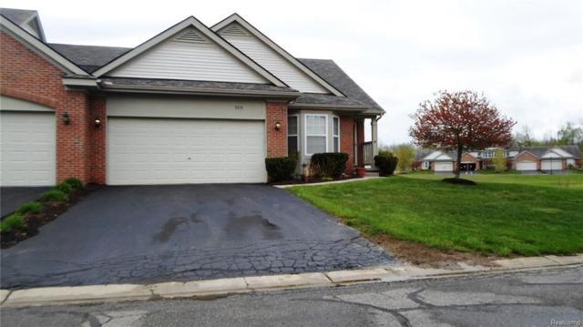 5895 Augusta Lane, Holly Twp, MI 48439 (#218042128) :: Duneske Real Estate Advisors