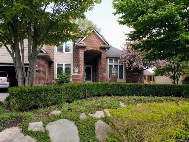 3558 Lakeshore Drive, Waterford Twp, MI 48329 (#218042646) :: RE/MAX Classic
