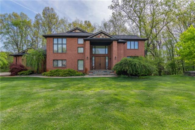 3125 N Mistwood Court, White Lake Twp, MI 48383 (#218044480) :: RE/MAX Vision