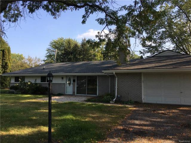 7011 Willow Road, West Bloomfield Twp, MI 48324 (#218045970) :: RE/MAX Classic