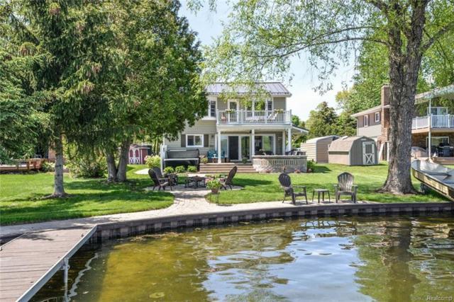 4237 Homestead, Howell, MI 48843 (#218046067) :: The Buckley Jolley Real Estate Team