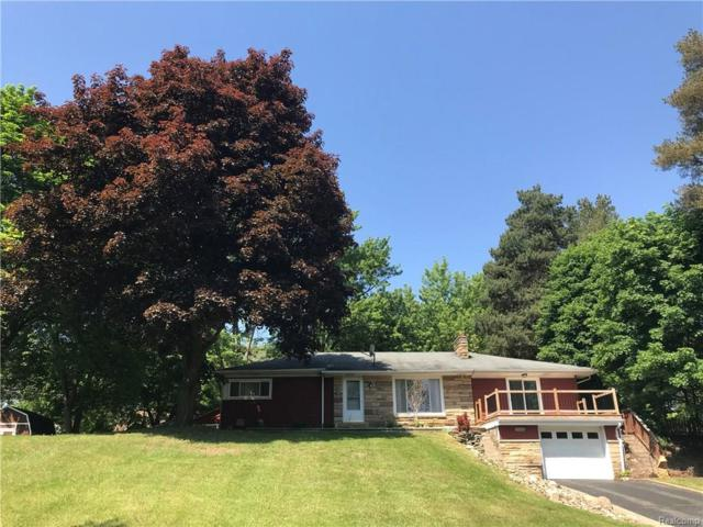 179 University Drive, Oceola Twp, MI 48843 (#218046402) :: The Buckley Jolley Real Estate Team