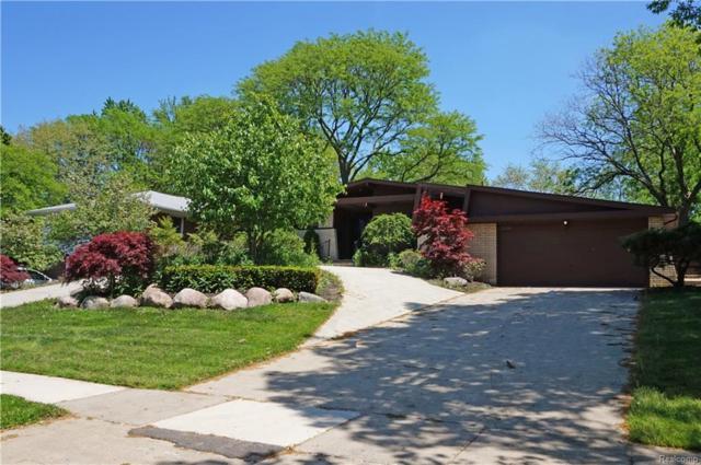 2426 Vinsetta Boulevard, Royal Oak, MI 48073 (#218047265) :: Duneske Real Estate Advisors