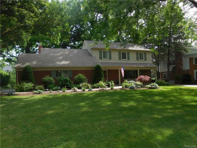 325 Woodedge Drive, Bloomfield Twp, MI 48304 (#218052855) :: The Buckley Jolley Real Estate Team
