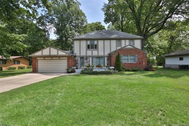 15596 Hidden Lane, Livonia, MI 48154 (#218053865) :: The Mulvihill Group