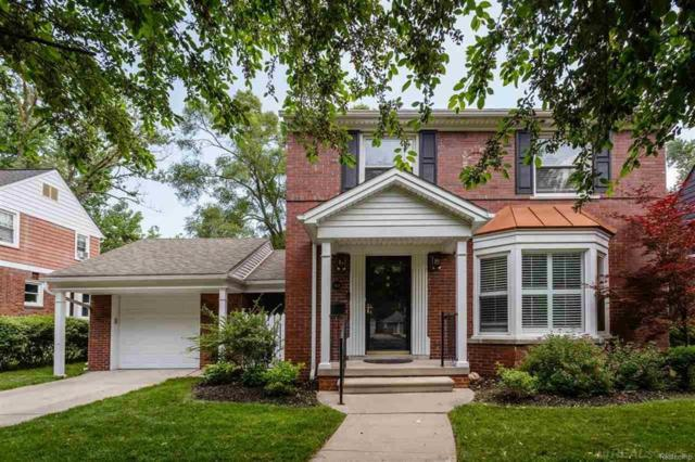 964 Lakepointe, Grosse Pointe Park, MI 48230 (#58031350871) :: Duneske Real Estate Advisors