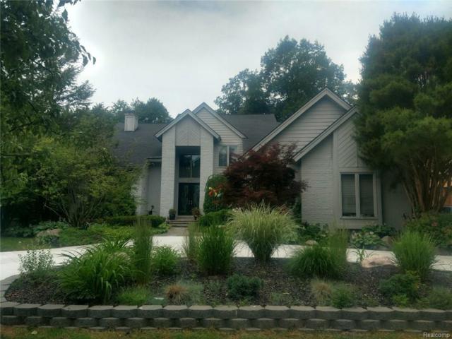 6790 Burtonwood Drive, West Bloomfield Twp, MI 48322 (MLS #218055349) :: The Toth Team