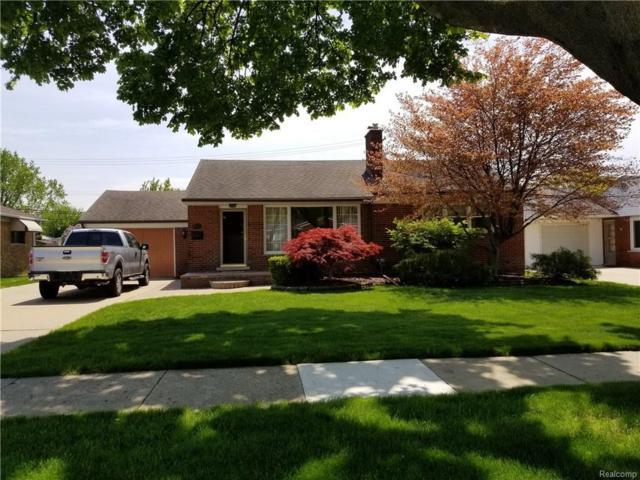 20616 Erben, Saint Clair Shores, MI 48081 (#218056460) :: Duneske Real Estate Advisors