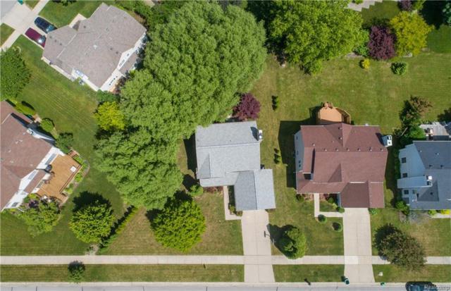 3695 Eaton Gate Lane, Auburn Hills, MI 48326 (#218056540) :: Duneske Real Estate Advisors