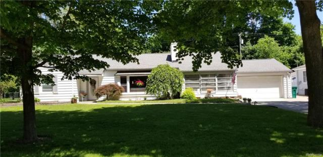 6464 Crest Drive, Waterford Twp, MI 48329 (MLS #218058245) :: The Toth Team