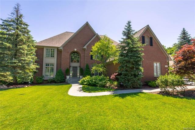 1988 Tall Oaks Boulevard, Rochester Hills, MI 48306 (#218059196) :: The Buckley Jolley Real Estate Team