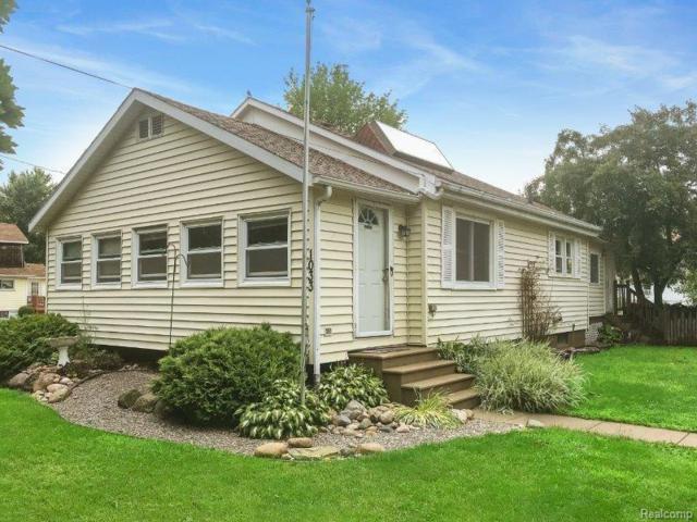 1033 Pearce, Owosso, MI 48867 (#50100002832) :: Duneske Real Estate Advisors