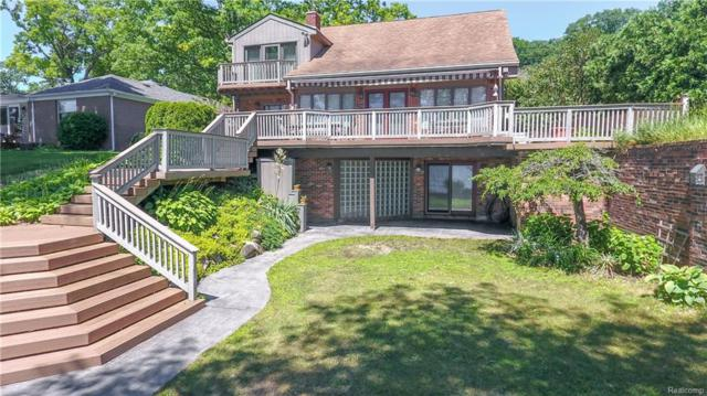 4409 Forest Avenue, Waterford Twp, MI 48328 (MLS #218060554) :: The Toth Team