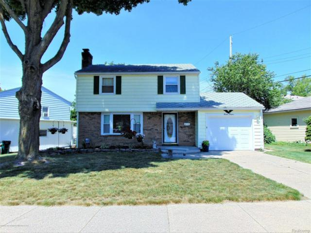 2020 Victor Avenue, Lansing, MI 48910 (#630000227920) :: Duneske Real Estate Advisors