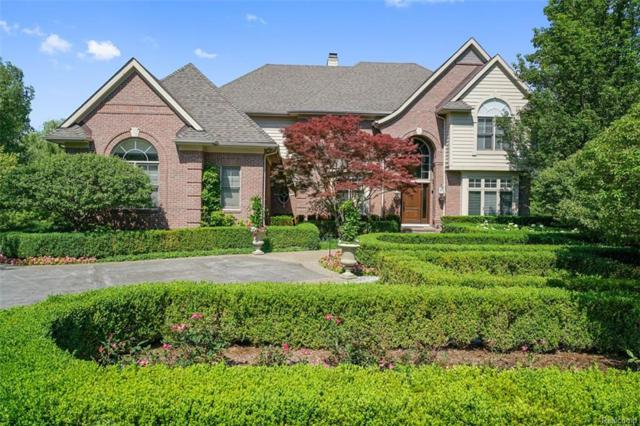 2064 Shore Hill Court, West Bloomfield Twp, MI 48323 (MLS #218061081) :: The Toth Team