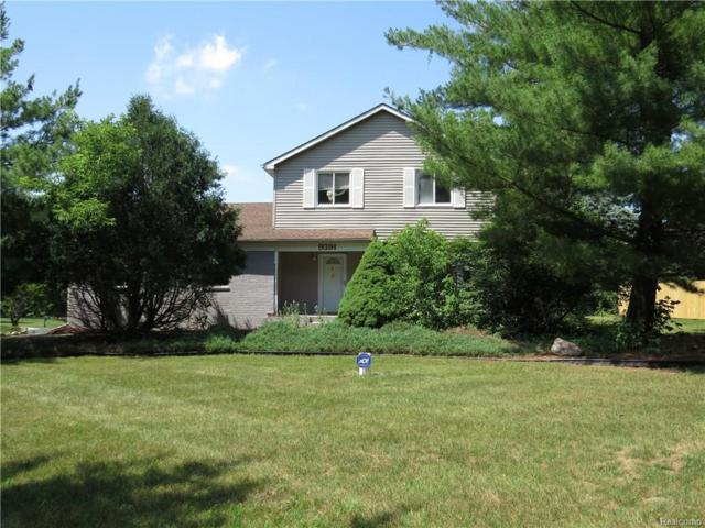 9391 White Lake Road, Tyrone Twp, MI 48430 (#218061898) :: The Buckley Jolley Real Estate Team