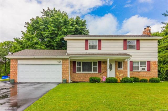 4208 Crestknoll, Grand Blanc Twp, MI 48439 (#50100002930) :: The Mulvihill Group