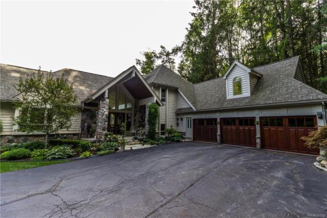 385 Wolfe Road, Groveland Twp, MI 48462 (#218064461) :: Duneske Real Estate Advisors