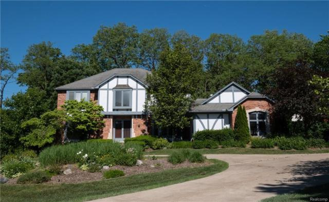 2486 Hunters Pond, Bloomfield Hills, MI 48304 (#218065815) :: RE/MAX Classic